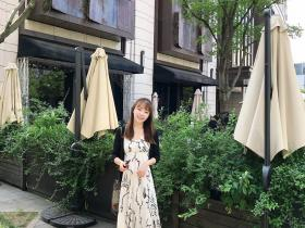 清新又减龄的网红吊带长裙