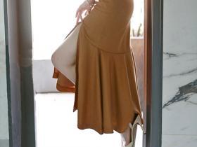 迷人的前开叉鱼尾裙子,你敢穿么?