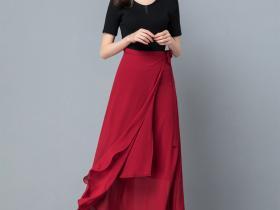 一片式系带长裙,秀出曼妙身姿
